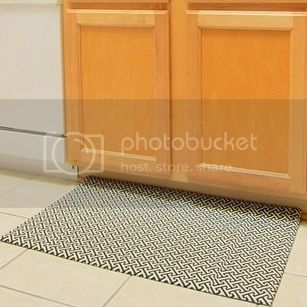 kitchen mat makeover @ enjoyerofgrace.blogspot.com