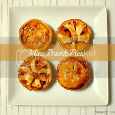 mini peach pies by weiya @ enjoyer of grace